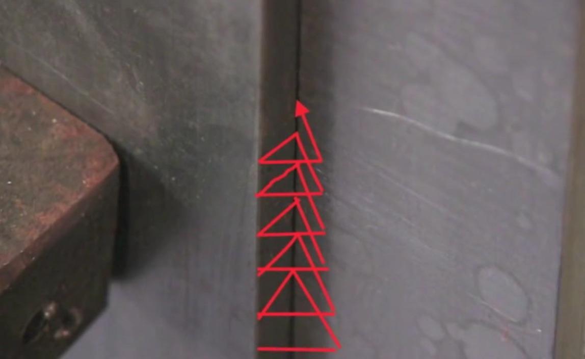 dual-shield-flux-core-triangles.jpg